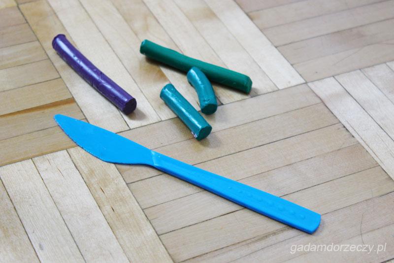 Plastelina i nożyk do badania lateralizacji ręki